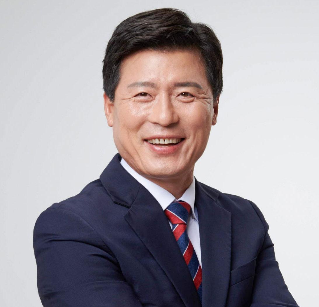 구자근 구미갑 국회의원(상반신) (1).jpg